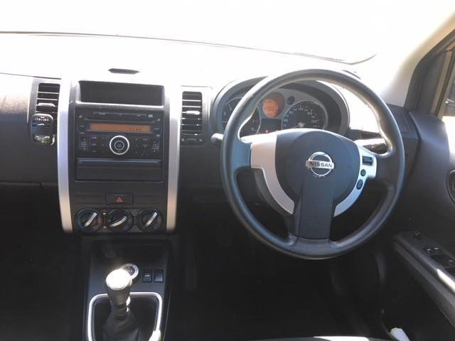 2010 NISSAN X-TRAIL