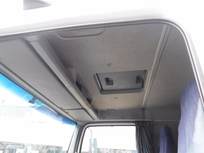 2006 Mercedes Benz 1623 Atego 2006 MERCEDES BENZ 1326 ATEGO WHITE BLUE CURTAINS