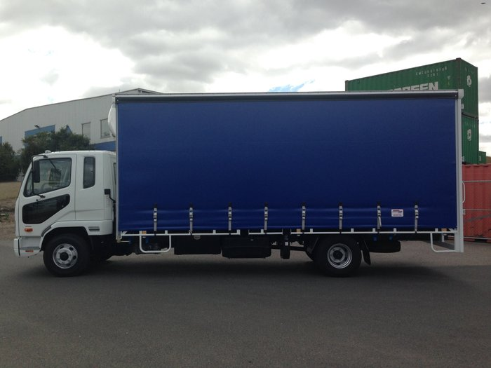 2018 Fuso Fighter 1024 White/Blue Curtains
