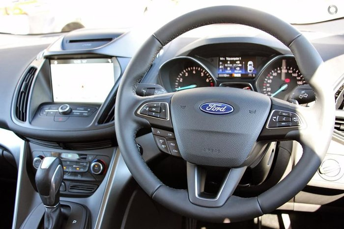 2018 FORD ESCAPE TREND ZG Red