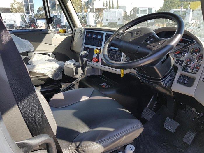 2017 International Prostar DAY CAB Tipper 18spd Manual