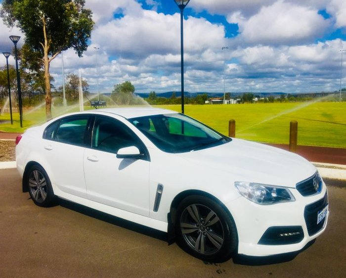 2015 HOLDEN COMMODORE SV6 VF MY15 HERON WHITE