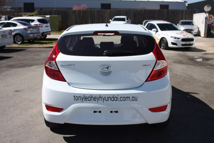 2017 HYUNDAI ACCENT SPORT RB5 White