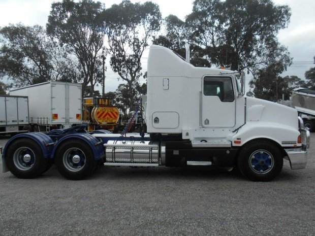 2005 Kenworth T401 WHITE