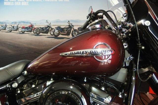 2018 Harley-Davidson FLHC HERITAGE SOFTAIL CLASSIC Twisted Cherry