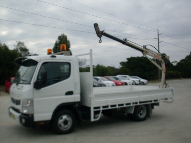 2012 Mitsubishi Canter 515 Wide FUSO CANTER TABLE TOP CRANE WHITE