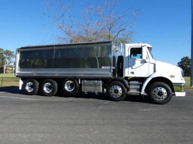 2017 Freightliner CL112 10 x 4 White