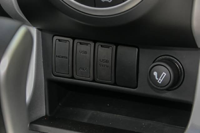 2018 ISUZU D-MAX LS-TERRAIN DUAL CAB MY17 COSMIC BLACK