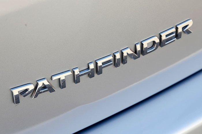 2015 NISSAN PATHFINDER ST R52 Silver