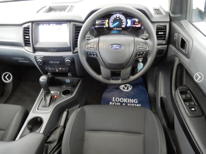 2017 FORD EVEREST AMBIENTE UA White
