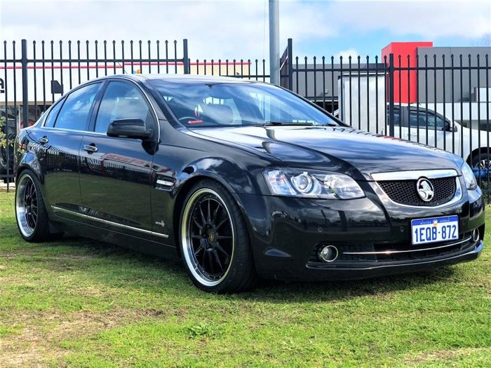 2012 HOLDEN CALAIS V VE II MY12 BLACK