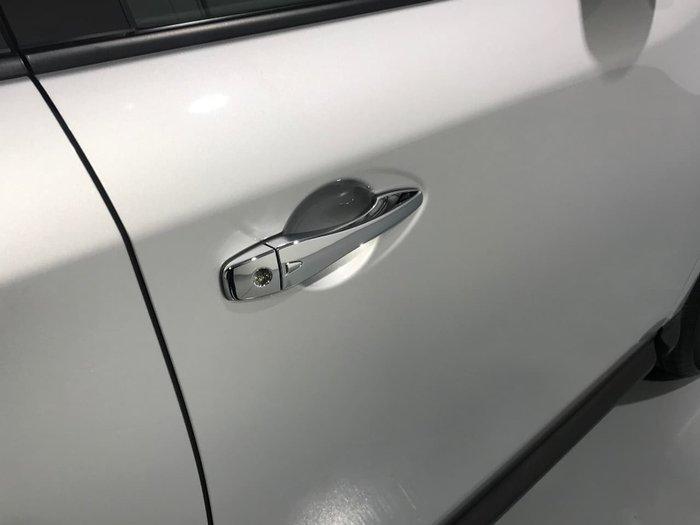 2017 NISSAN PATHFINDER ST R52 Series II Silver