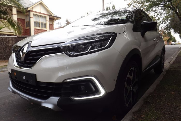 2018 RENAULT CAPTUR INTENS J87 White