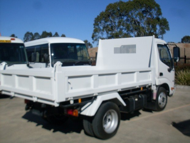 2013 Hino 616 - 300 Series Automatic tipper .
