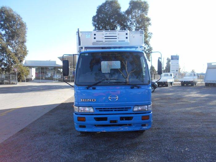2002 Hino FC 1022-500 Series BLUE