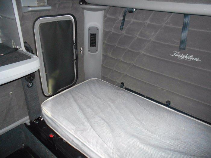 2009 Freightliner Century C(S/T)120 CST120 CENTURY CLASS WHITE