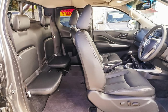 2017 NISSAN NAVARA ST-X D23 Series 2 Grey