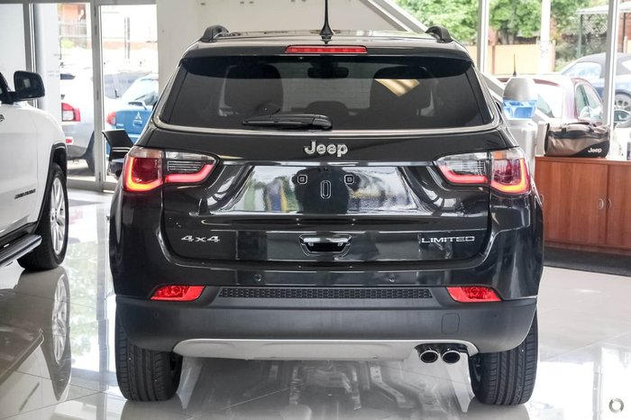 2018 JEEP COMPASS Limited M6 Black