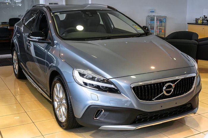 2016 VOLVO V40 CROSS COUNTRY T4 Momentum (No Series) Blue