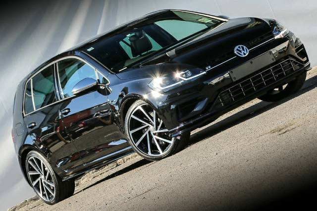 2018 VOLKSWAGEN GOLF R 7.5 MY18 DEEP BLACK