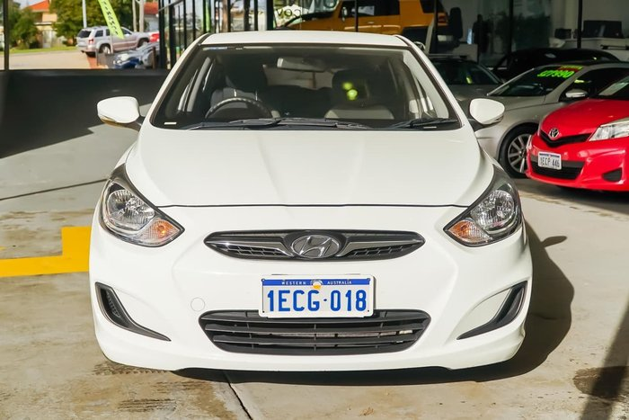 2012 HYUNDAI ACCENT Active RB White