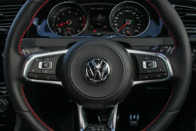 2018 VOLKSWAGEN GOLF GTI 7.5 MY18 TORNADO RED