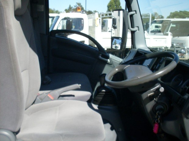 2014 Isuzu NLR200 TABLE TOP RACKS WHITE