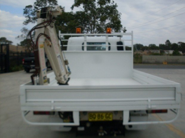 2012 Mitsubishi Canter 515 Wide FUSO CANTER TABLE TOP CRANE WHITE