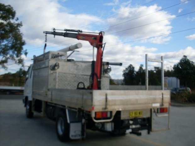 2007 Mitsubishi FK617 FUSO TABLE TOP CRANE WHITE