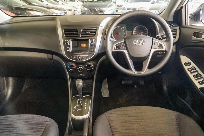 2016 HYUNDAI ACCENT Active RB4 White