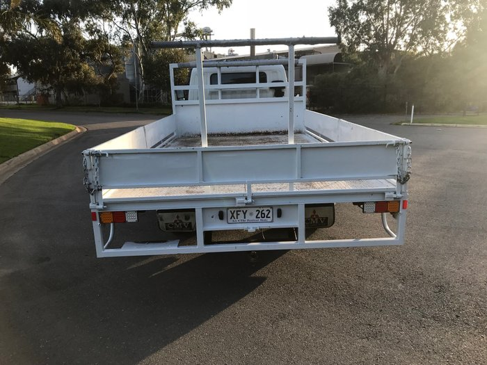 2005 Mitsubishi Canter FE Tray Top White