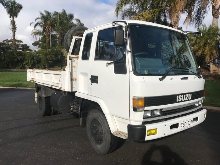 1988 Isuzu FRR Forward White