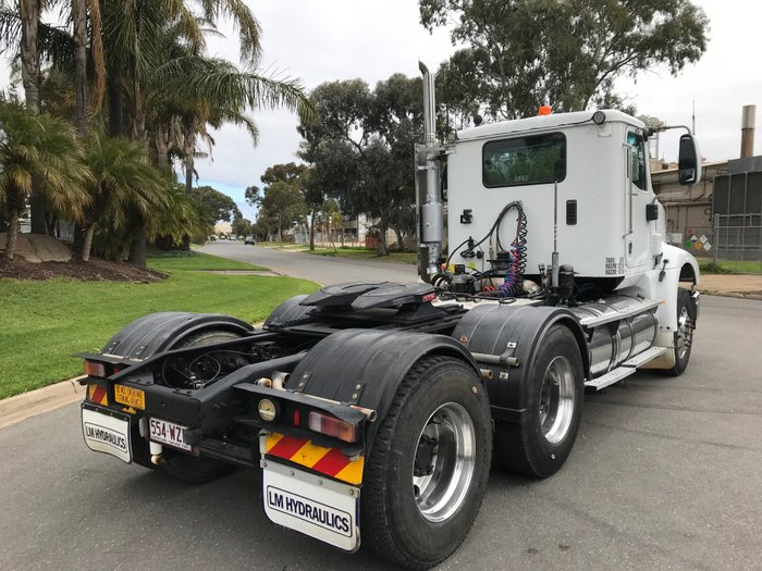 2008 International 9200 Eagle Day cab prime mover White