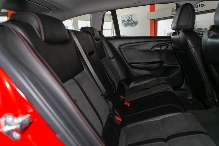 2016 HOLDEN COMMODORE SV6 Black VF Series II Red