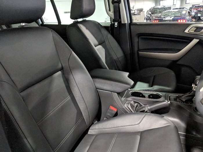 2018 FORD EVEREST Trend UA II Silver