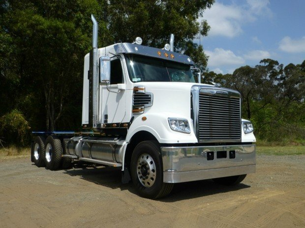 2018 Freightliner Coronado 114 34 White