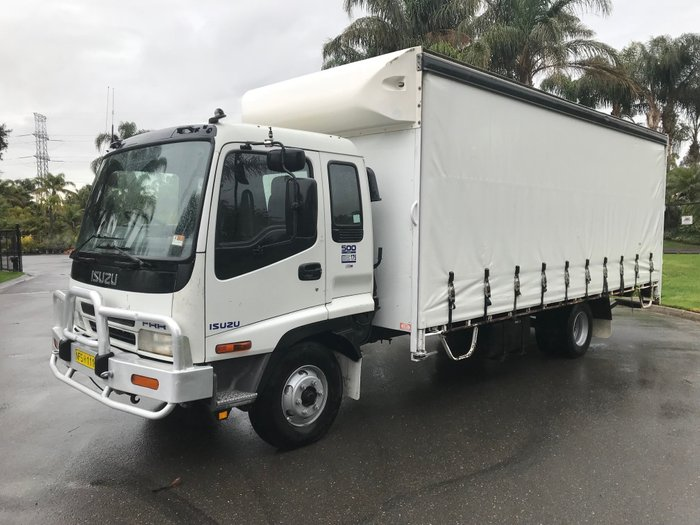 2002 Isuzu FRR500 6.3mt Curtainsider White