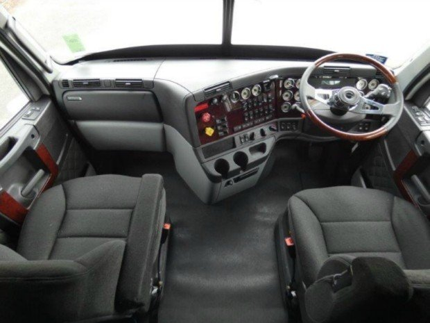 2018 Freightliner Coronado114 58XT White cab