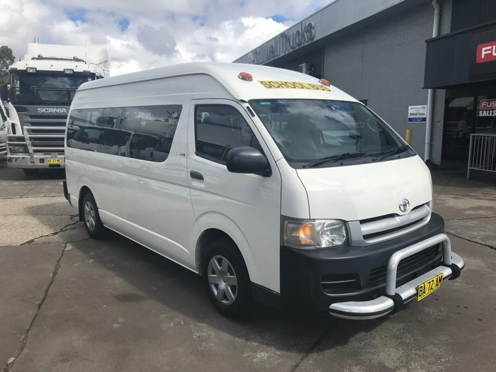 2006 Toyota Commuter COMMUTER WHITE