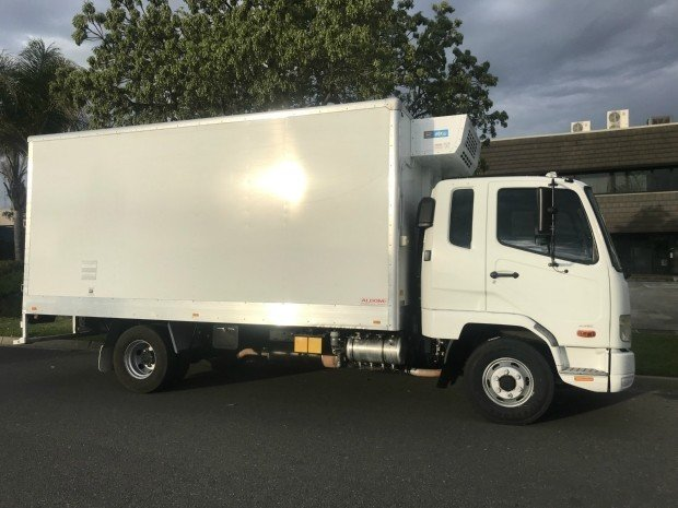 2013 Mitsubishi Fighter 1024 fk61h fighter 1024 WHITE