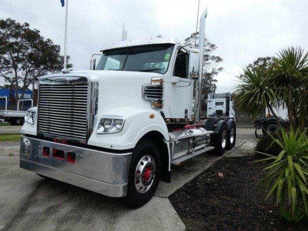 2018 Freightliner Coronado Coronado 114 tipper White