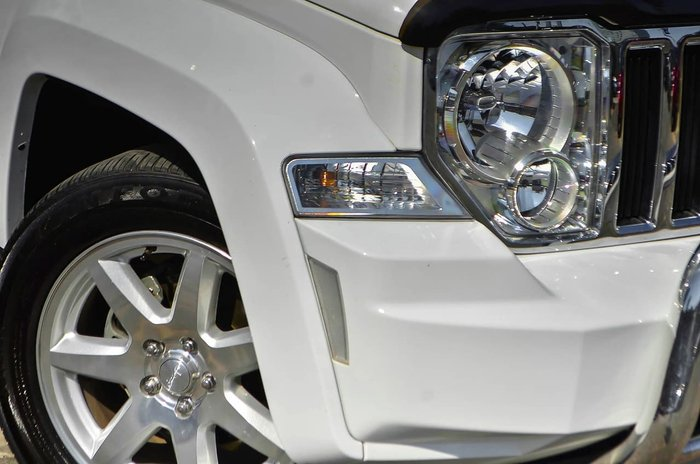 2012 JEEP CHEROKEE Limited KK White
