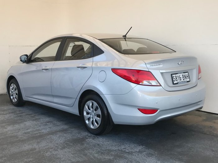 2016 HYUNDAI ACCENT Active RB4 Silver