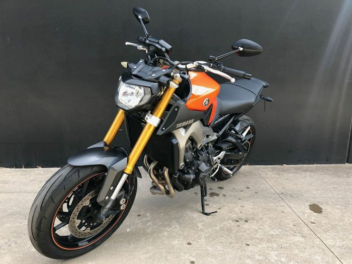 2013 Yamaha MT-09 Orange
