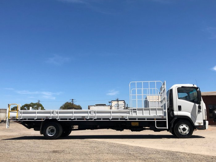 2009 Isuzu FRR500 X-LONG TRAYTOP WHITE