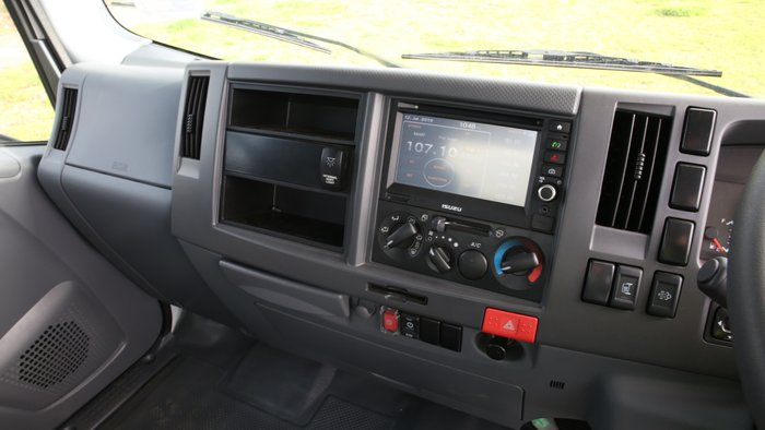 2018 Isuzu NLR 45-150 SERVICEPACK X WHITE