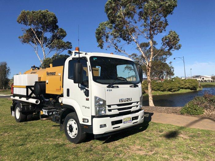 2017 Isuzu FSR 120-240 8 Pallet Fridge Truck WHITE