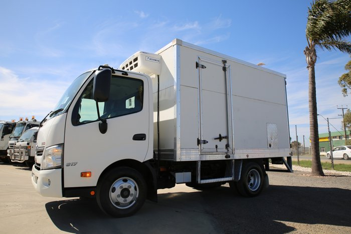 2012 Hino 617 - 300 Series REFRIGERATED PANTECH LOW KMS WHITE