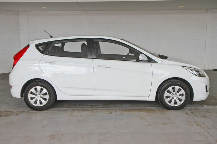 2017 HYUNDAI ACCENT Active RB4 White