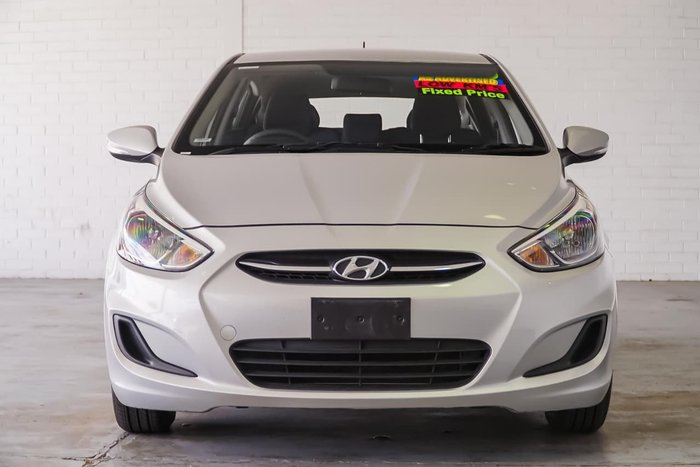 2016 HYUNDAI ACCENT Active RB3 Silver